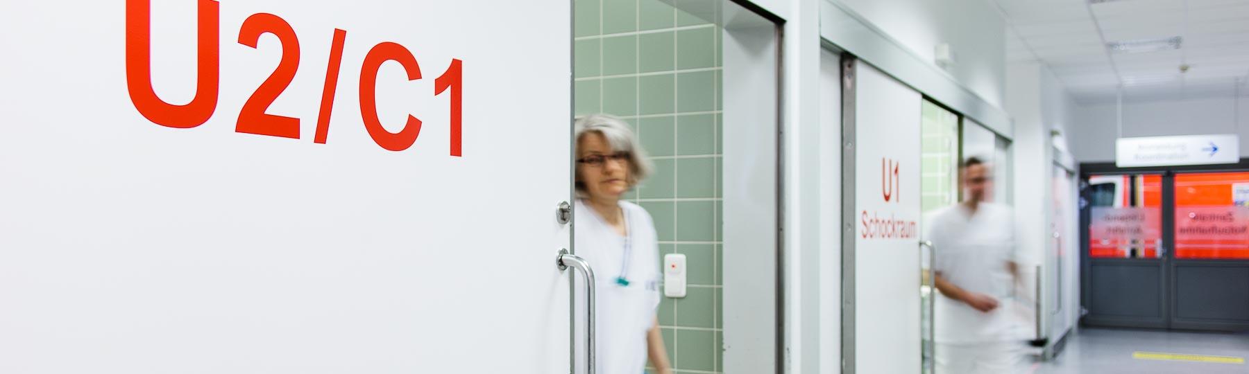 Portrait einer Mitarbeiterin in der Notaufnahe im Evangelischen Krankenhaus Düsseldorf