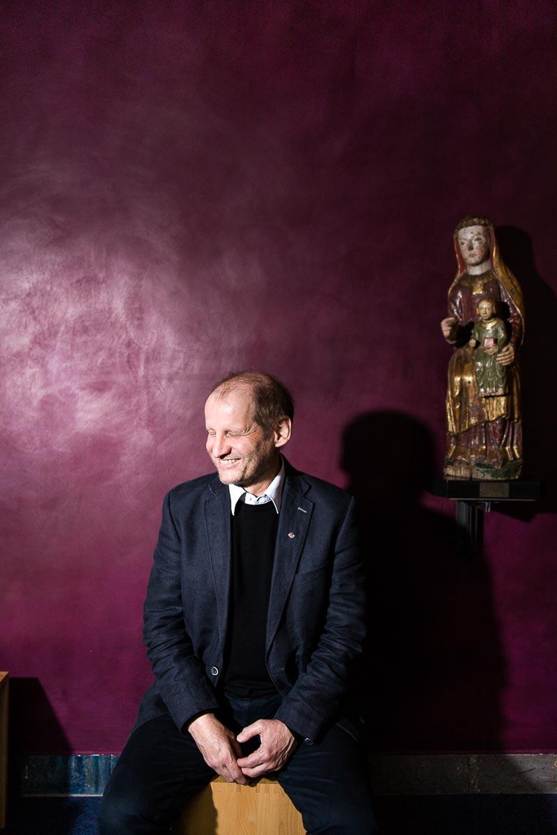 Monsignore Pirmin Spiegel, Hauptgeschäftsführer und Vorstandsvorsitzender des Bischöflichen Hilfswerkes Misereor für Login Magazin