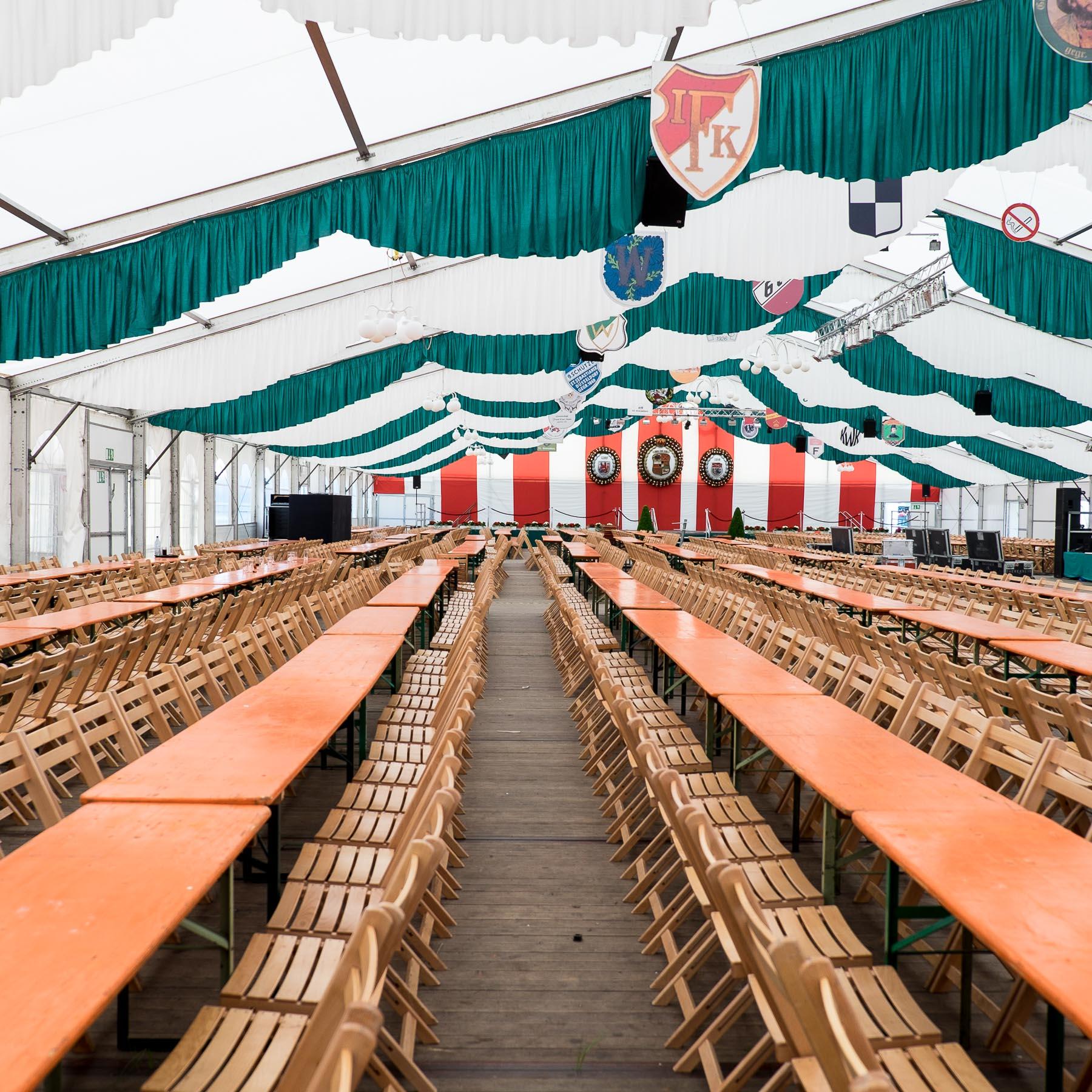 16.07.2015 - Kirmes am Rhein Düsseldorf einen Tag vor der Eröffnung