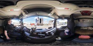 Der LKW Fahrer Frank in seinem ÖKW-Führerhaus